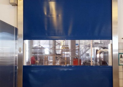 Schnelllauftor-S-2010-SEL-Schrägabdeckung-Edelstahl-Ausführung